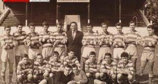"""Echipa de fotbal gherleana pe stadionul """"23 August"""", in 1958"""