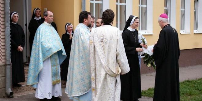 surori baziliene gherla