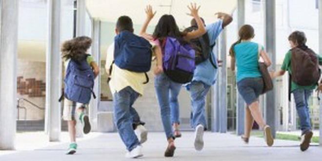 elevi scoala vacanta
