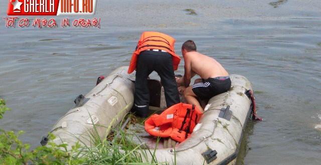 inecat lac isu barca salupa