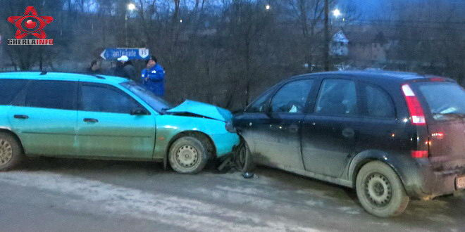 accident santioana opel ford cluj