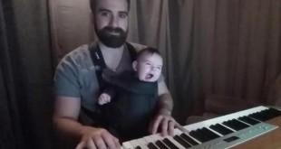 copil adoarme pian