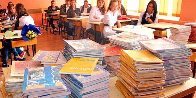 manuale liceu elevi