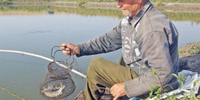 pescar pensionar lac