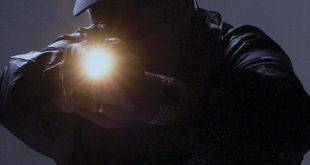 lanterna noapte politie hot spargere