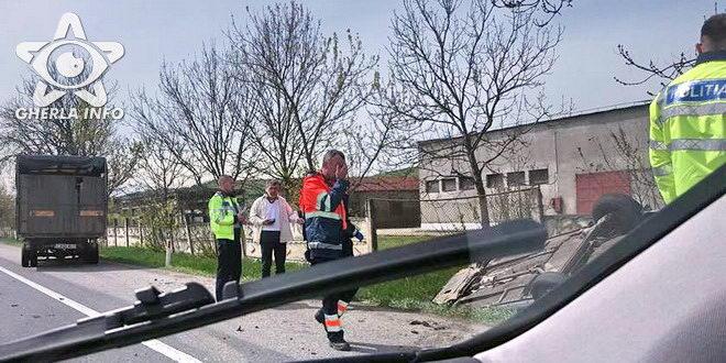 accident jucu masina rasturnata politie