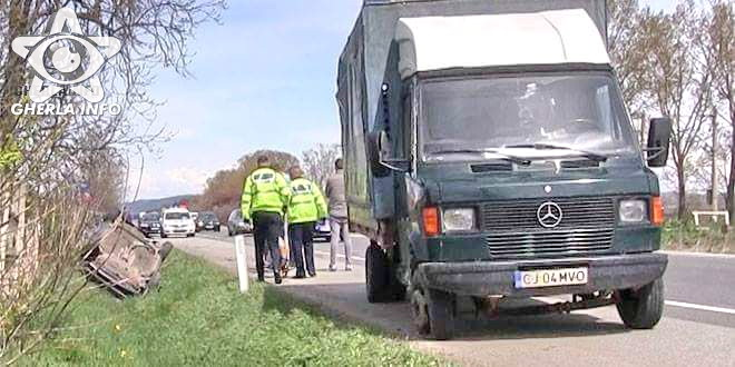accident jucu politie masina rasturnata