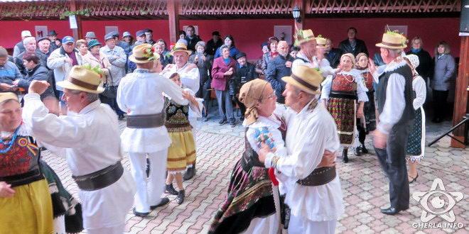 jocu la sura gherla gradina de vara dans popular