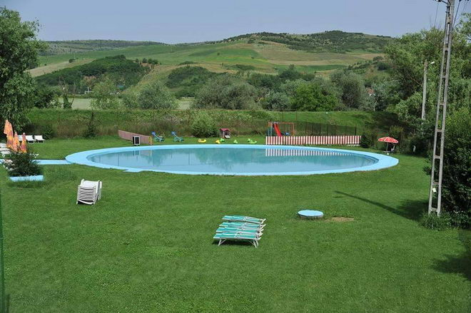 strand gherla baja pool
