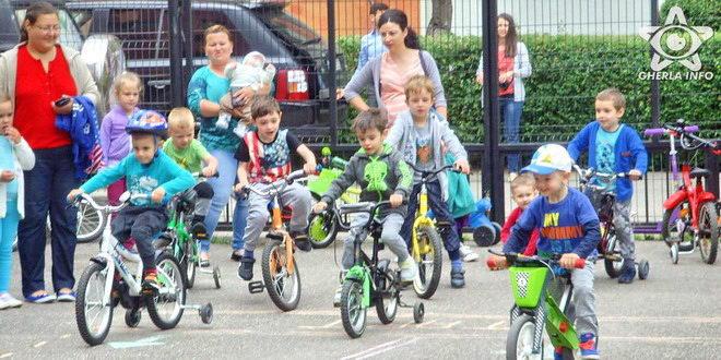gradinita vesliei gherla copii concurs biciclete