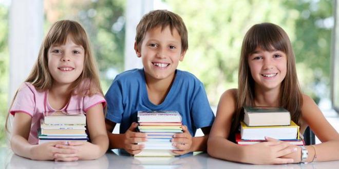 copii elevi manuale carti