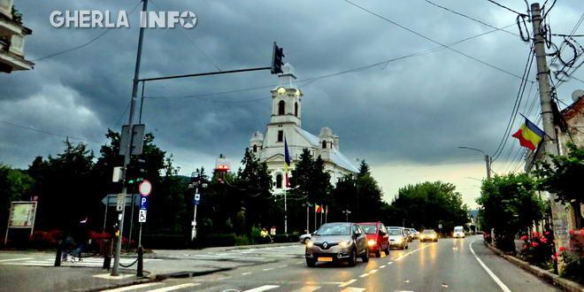 gherla biserica armeneasca nori furtuna
