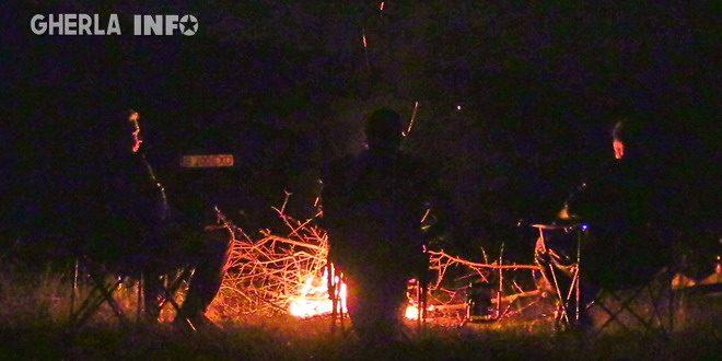 foc tabara noapte