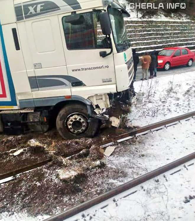 accident tir cluj bologa calea ferata