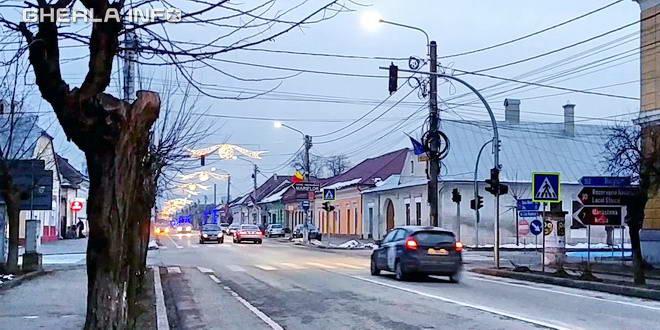 gherla intersectie trafic semafor bobalna