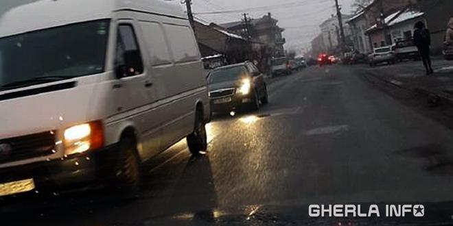 masini trafic gherla strada liviu rebreanu