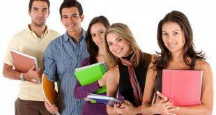 studenti tineri