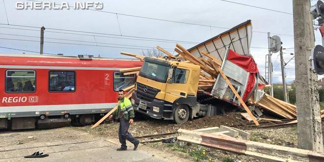accident beclean tir tren  bistrita nasaud