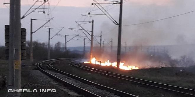 incendiu vegetatie cale ferata iclod cluj