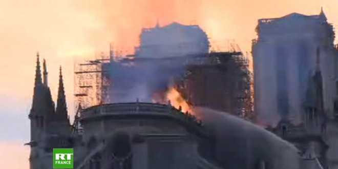 notre dame paris incendiu