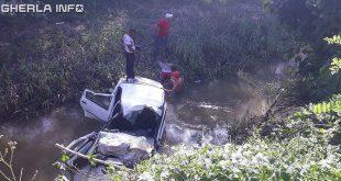 accident gherla masina vale rau