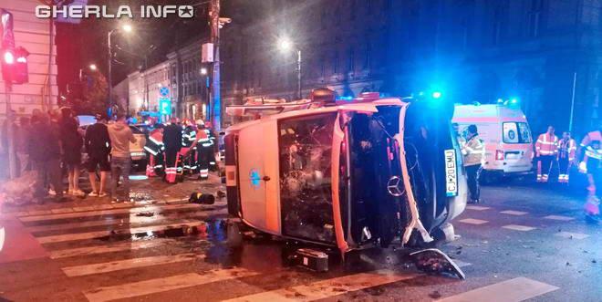 accident cluj ambulanta rasturnat dej