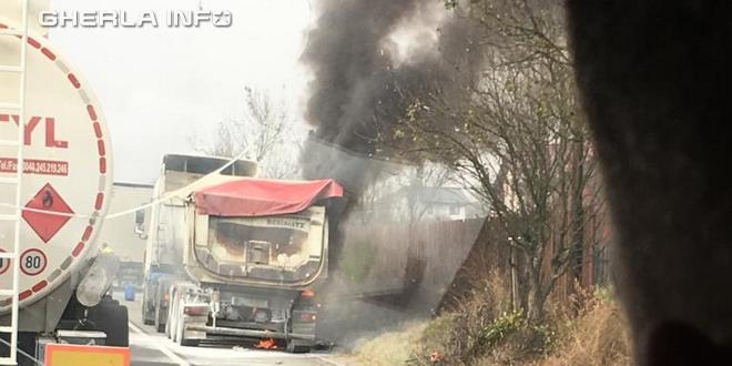 incendiu autocamion livada