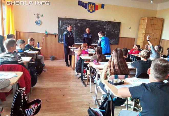 politie scoala elevi liceu gherla