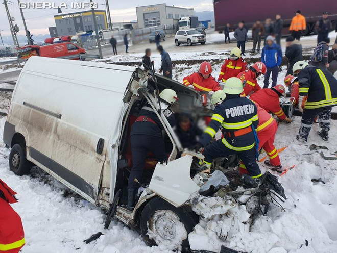 accident tren scheia suceava accelerat timisoara iasi