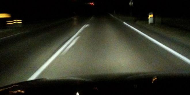 masina drum noapte sosea