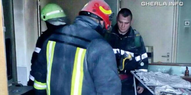 pompieri incendiu apartament cluj