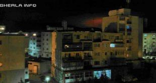 lumina rosie cer noapte gherla
