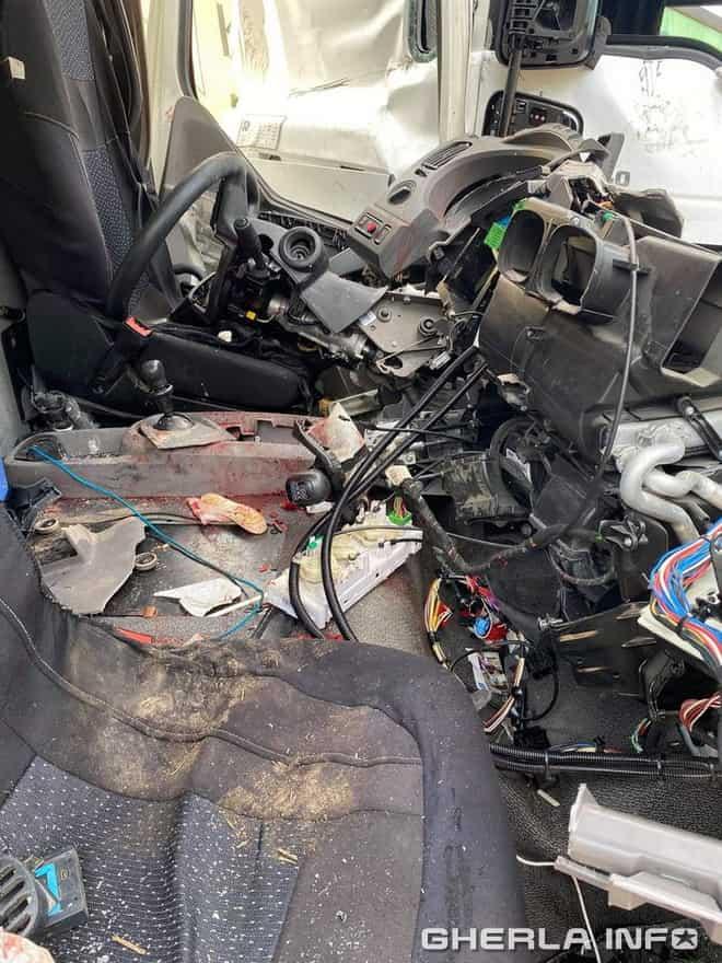 accident rascruci tir cabina pompieri
