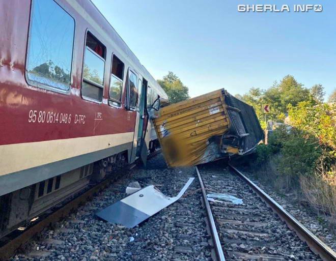 accident tren container negreni cluj