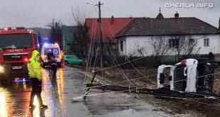 accident sanmarghita masina stalp rupt