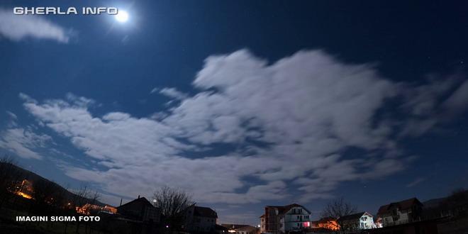 luna plina gherla cer noapte