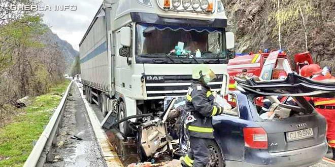 accident calimanesti valcea mortal dej tir