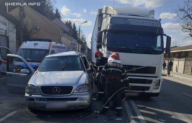 accident dej mercedes camion