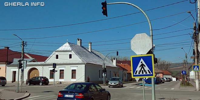 gherla intersectie semafor