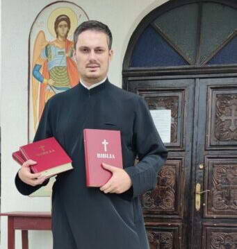 hasdate biserica preot biblie