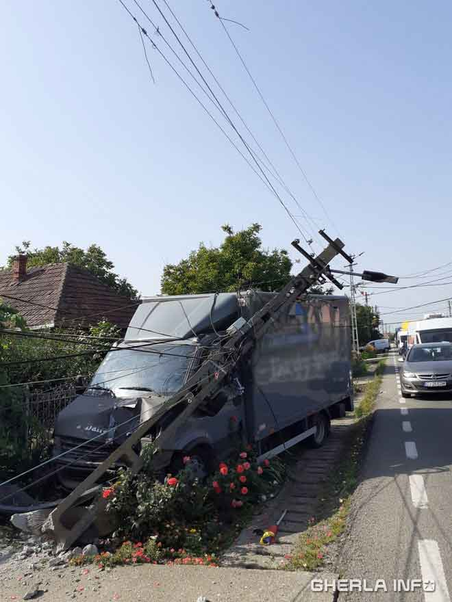 accident iclod camion stalp rupt