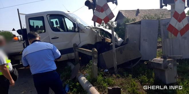 accident tren apahida masina cluj