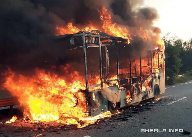 autobuz incendiu dej cluj